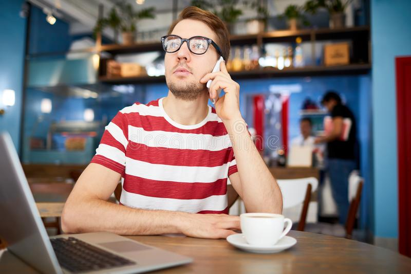 Faktorski telefonowanie klient fotografia stock