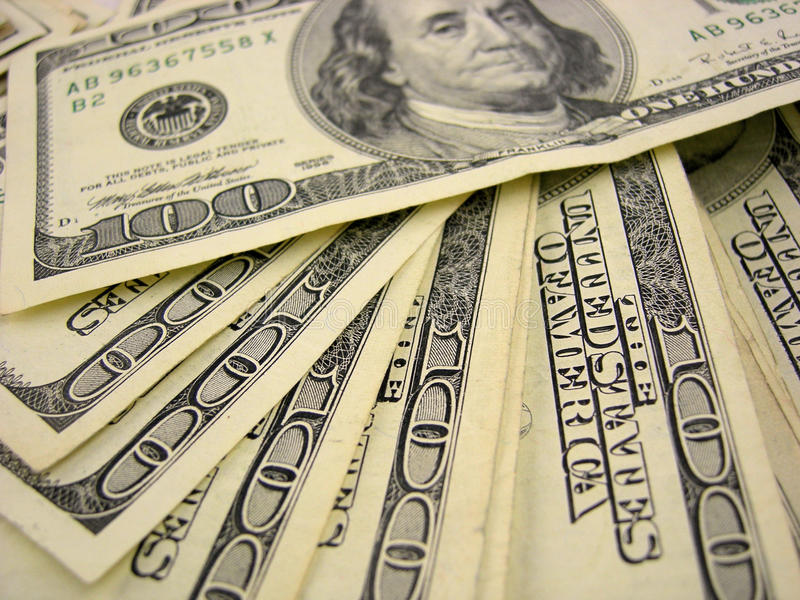 Download Fakturerar dollar hundra fotografering för bildbyråer. Bild av lönande - 12756319