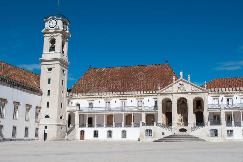 Fakultet av filosofi på universitetar av Coimbra arkivbilder
