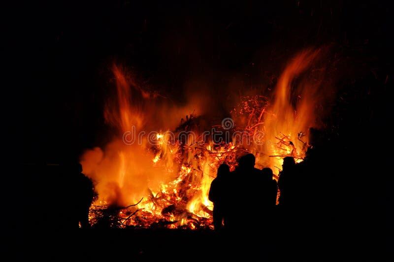 Falò di notte di Walpurgis fotografia stock