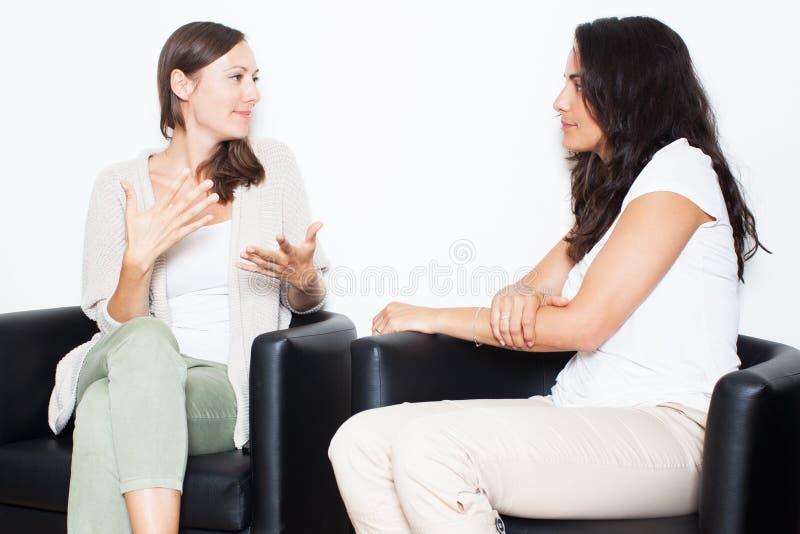 Fala com um amigo fotografia de stock