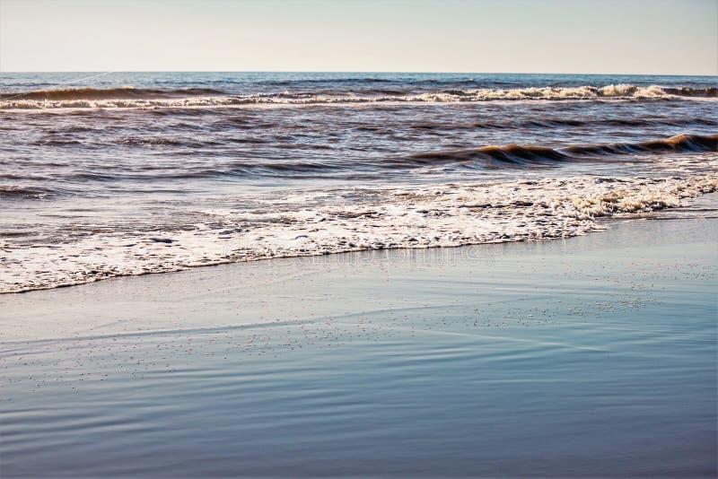 Fala i piasek na plaży obraz royalty free
