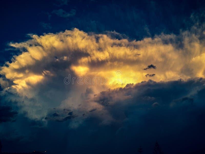 Fala w chmurach obraz royalty free