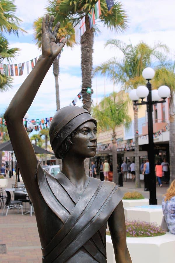 'fala w czasie' statua Napier, Nowa Zelandia obraz stock