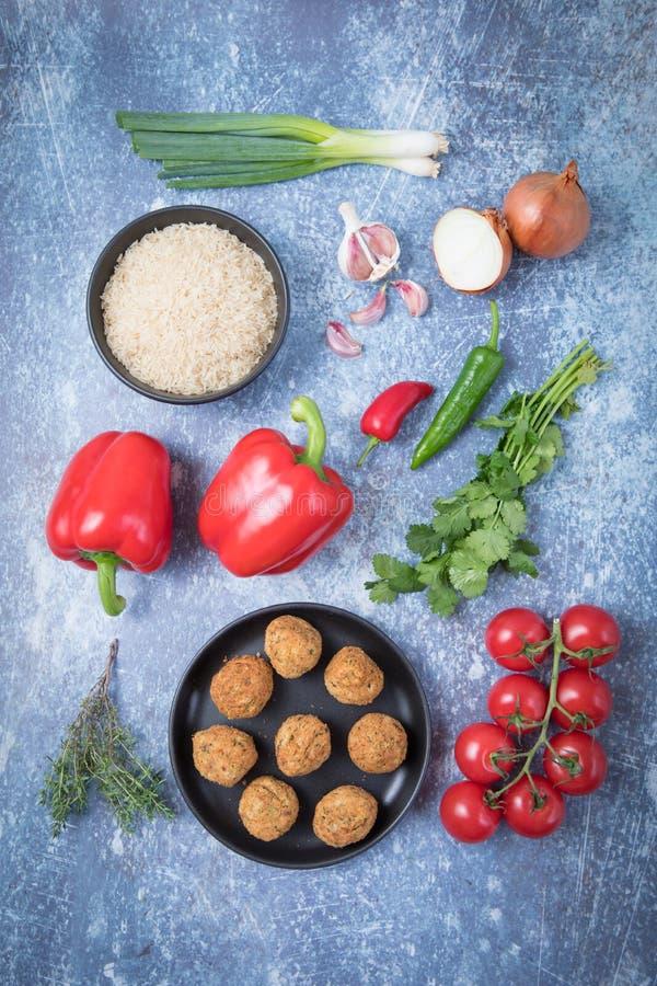 Falafel för röd peppar för ris royaltyfri foto