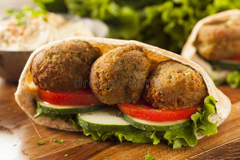 Falafel organique dans Pita Pocket photos stock