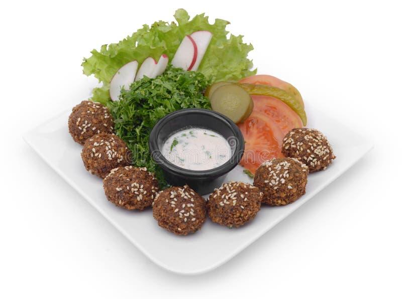 Falafelmaträtt med veggies arkivfoton