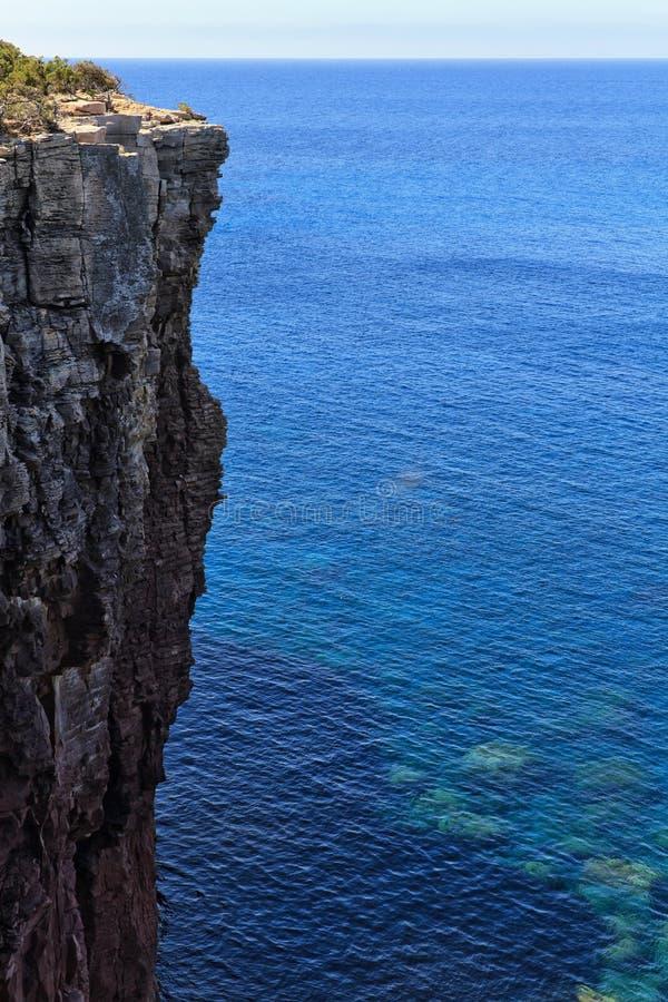 Download Falaise De Mezzaluna En île De San Pietro Photo stock - Image du bleu, falaise: 56475336