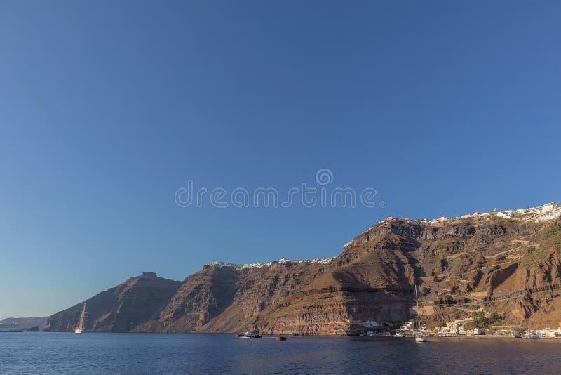 Falaise du fira, vue de la mer Santorini Grèce photographie stock libre de droits