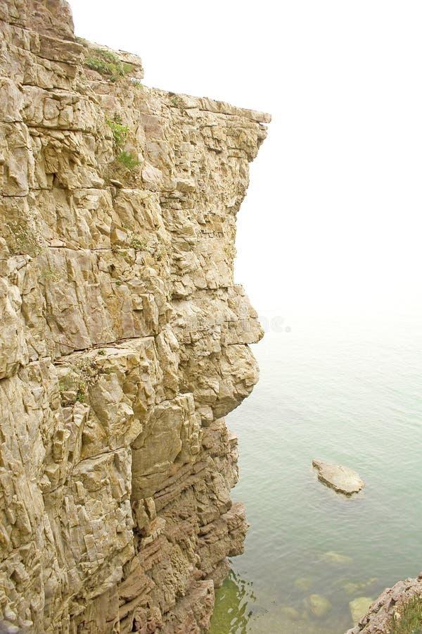 Download Falaise Géante Sortant De L'océan Photo stock - Image du océan, venez: 56482970