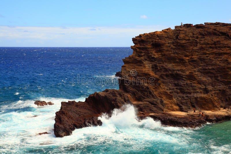 Falaise raboteuse d'Oahu photographie stock libre de droits
