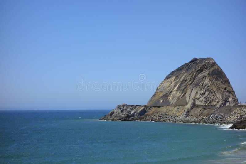 Download Falaises au point Mugu, CA image stock. Image du touristique - 45366349