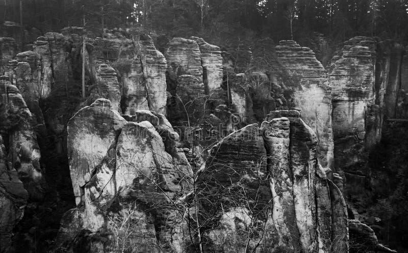 Falaises de grès dans le paradis de Bohème - les roches de Prachov - paysage photographie stock libre de droits
