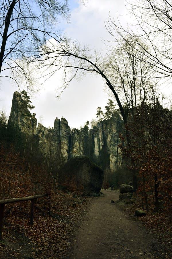 Falaises de grès dans le paradis de Bohème - les roches de Prachov - paysage image libre de droits
