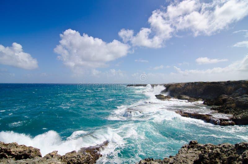 Falaises en Barbade des Caraïbes image stock