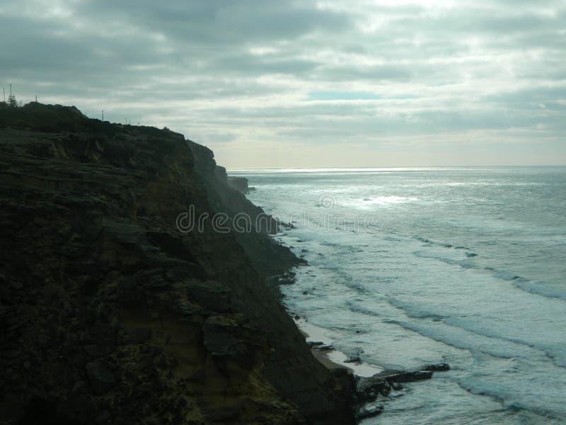 Falaises en parc naturel de Sintra-Cascais photos stock