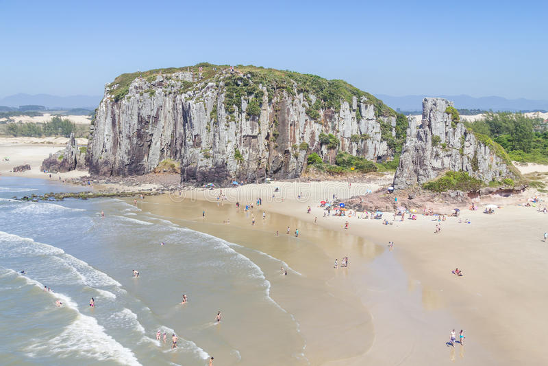 Falaises en plage de Guarita chez Torres images libres de droits