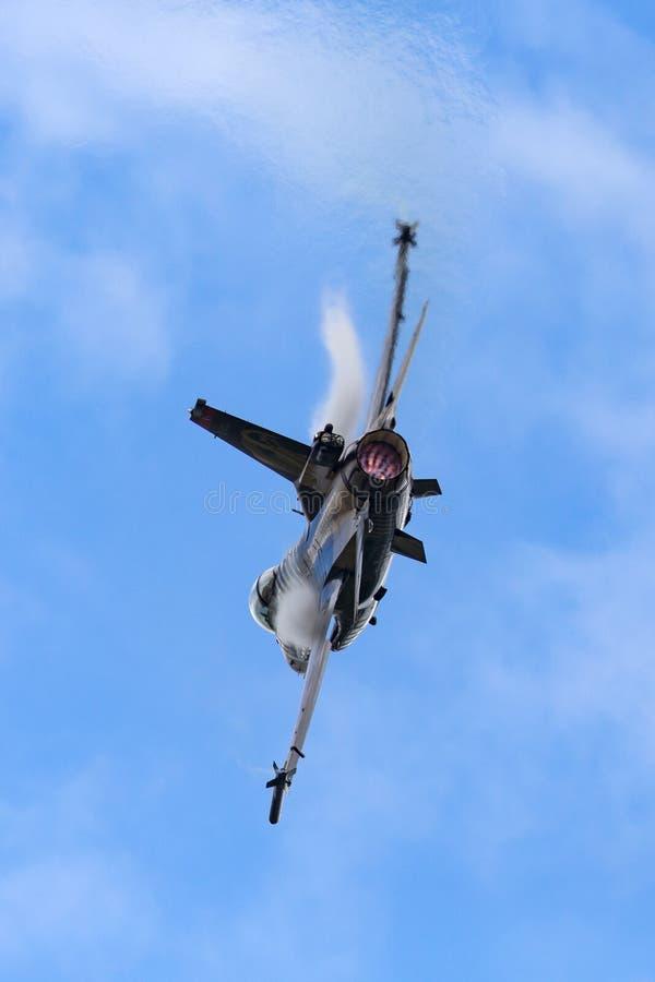Falcão de combate turco de Turk Hava Kuvvetleri General Dynamics F-16CG da força aérea 91-0011 da equipe de solo da exposição do  fotografia de stock