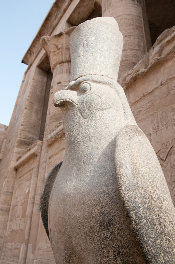 Falcão gardian do templo de Hor imagens de stock