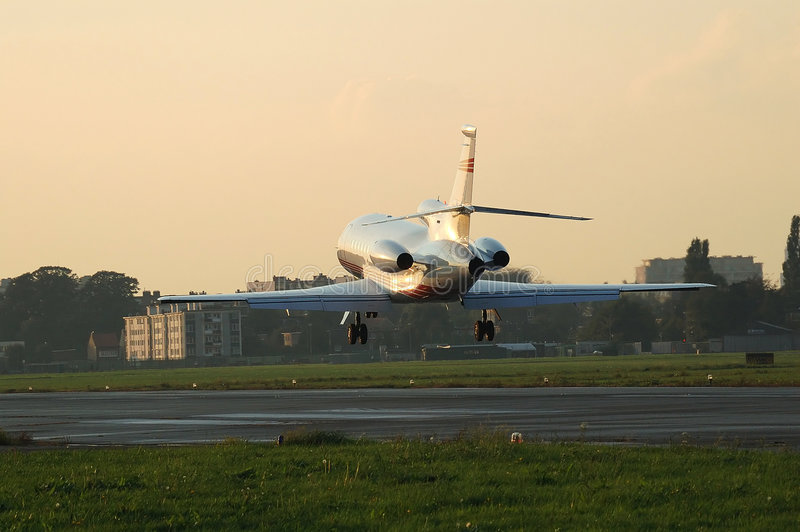 Falco 900B del Dassault, sbarcante immagine stock