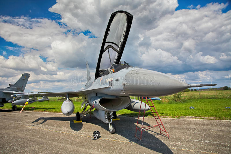 Falco di combattimento F-16 dall'aeronautica olandese reale fotografia stock libera da diritti
