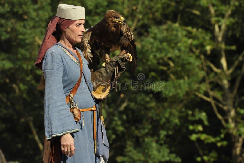 Falconiere al festival medievale, Norimberga 2013 fotografia stock libera da diritti