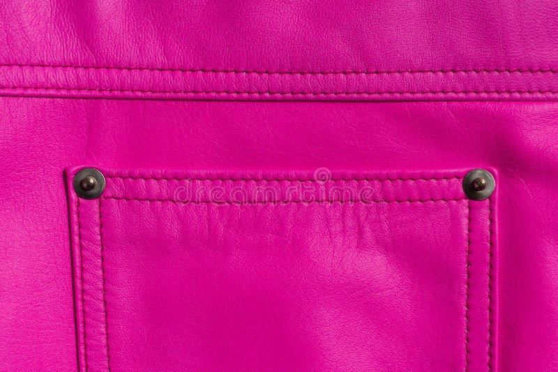 Falda de cuero rosada Bolsillo cosido en los remaches imagenes de archivo