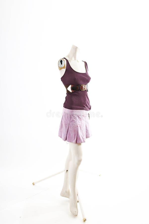 Falda púrpura de la camisa corta en la exhibición completa del body shop del maniquí Estilos de la moda de la mujer, ropa en el f imagen de archivo