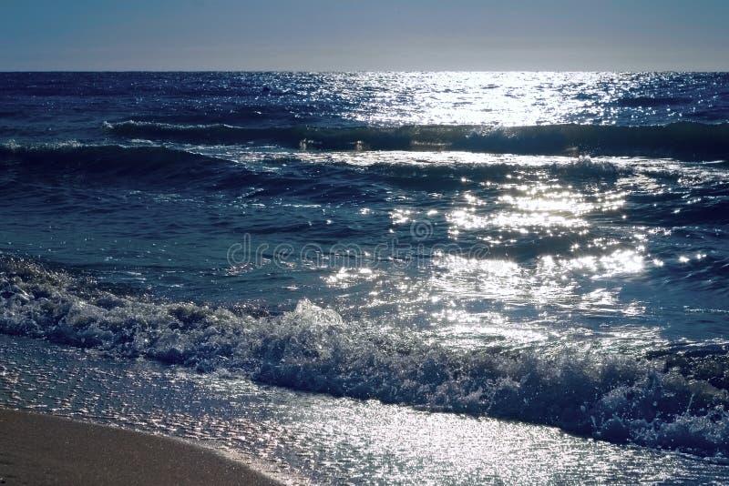 fale morskie zdjęcia stock