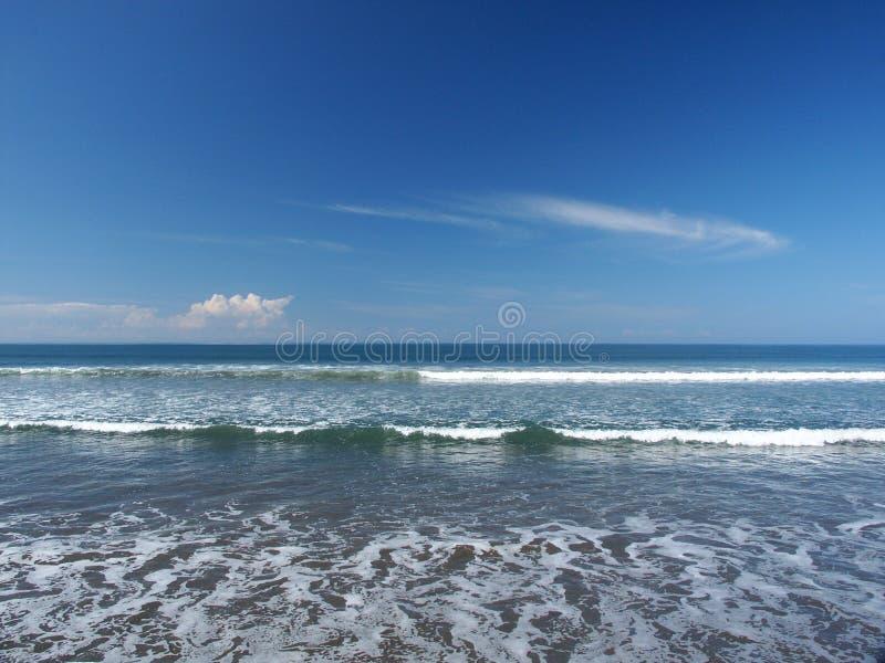 Download Fale morskie zdjęcie stock. Obraz złożonej z ocean, horyzont - 35158