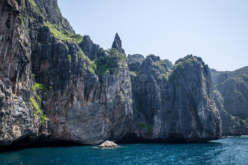 Faleza i jaśni denni Phi Phi wysp południe Tajlandia zdjęcie royalty free