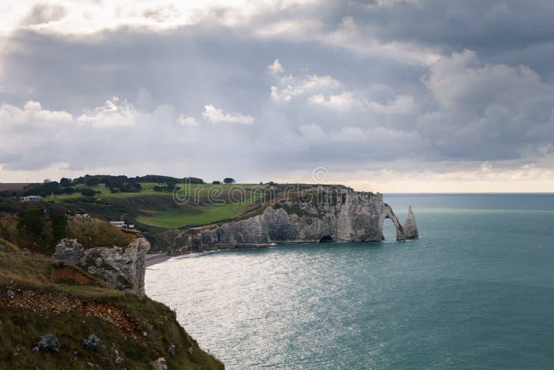 Falezy Etretat i Normandy atrakcja turystyczna Francuski miasto zdjęcie royalty free