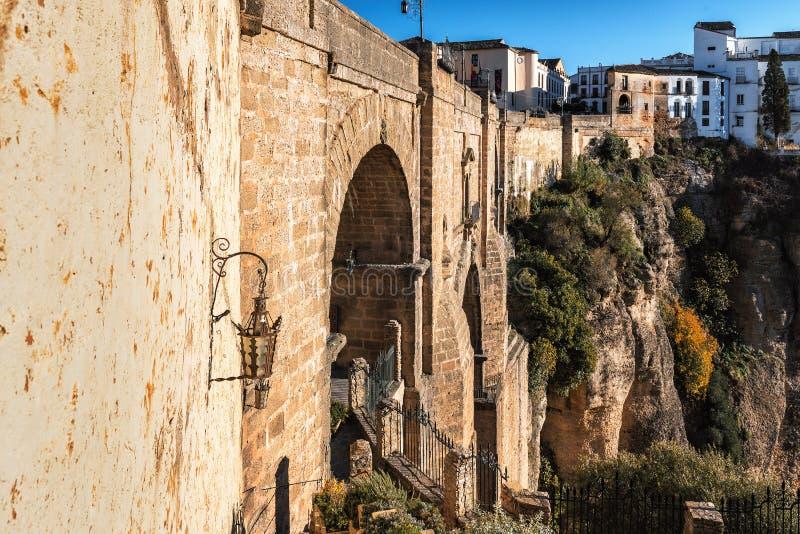 Falezy i Puente Nuevo most w Ronda, jeden sławne wioski w Andalusia, Hiszpania fotografia stock