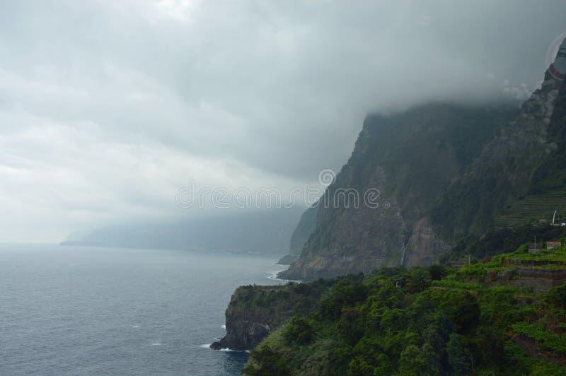 Falezy na północy madery wyspa fotografia stock