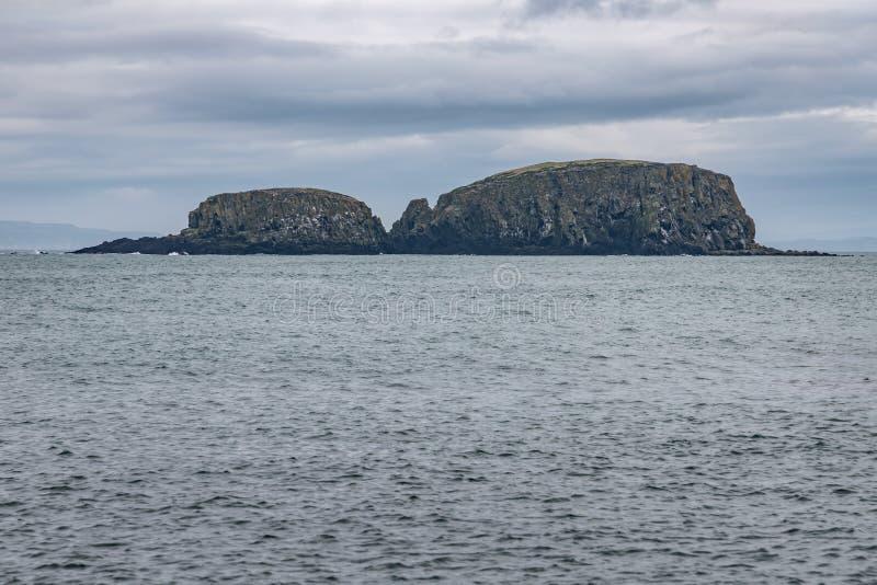 Falezy w wyspie zdjęcia royalty free