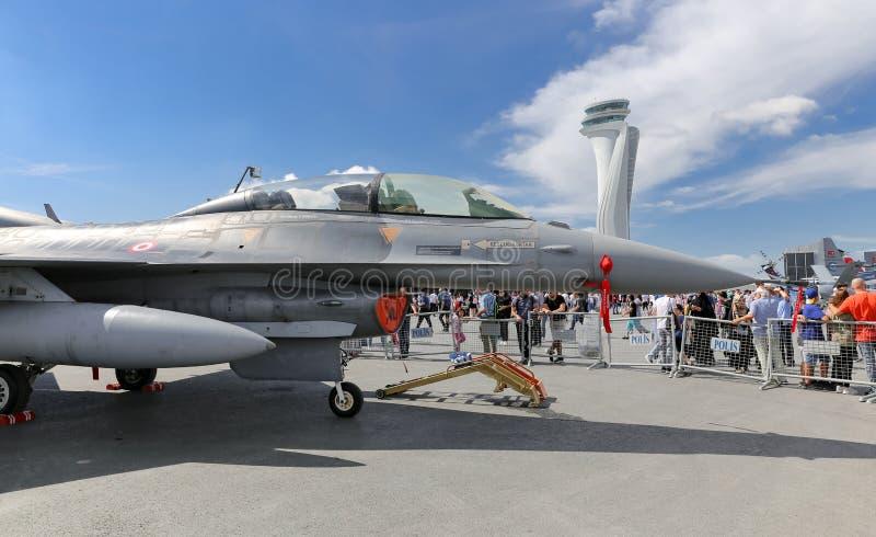 Falk för General Dynamics F--16stridighet i Teknofest Istanbul royaltyfria foton
