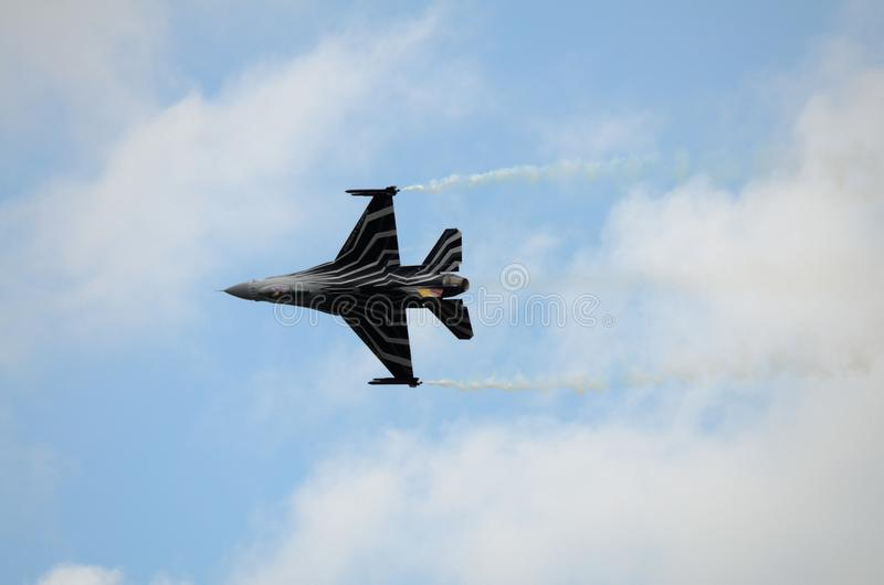 Falk för stridighet F16 av det belgiska flygvapnet arkivbild