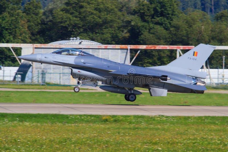 Falk F-16 royaltyfri bild