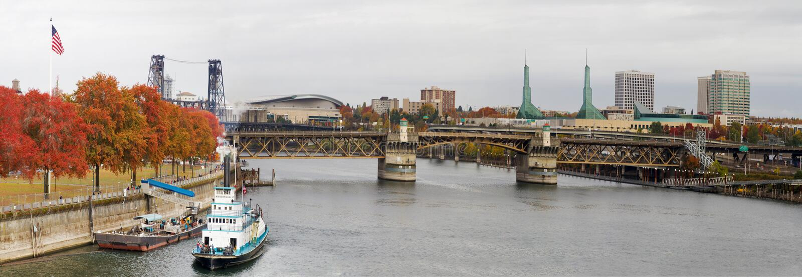 Fall Colors Willamette River Portland Oregon stock photography