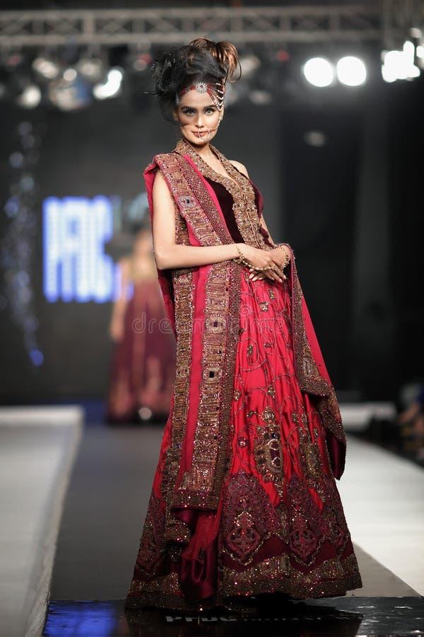 Fall-Mode-Woche 2012 des Pakistan-Mode-Design-Rats-(PFDC) stockbilder
