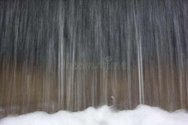 fallande vatten för bakgrund royaltyfria bilder