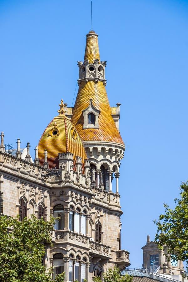 FallAntoni Rocamora byggnader i Barcelona royaltyfria bilder