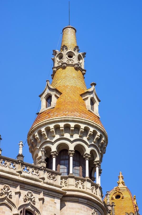 FallAntoni Rocamora byggnader i Barcelona royaltyfri bild