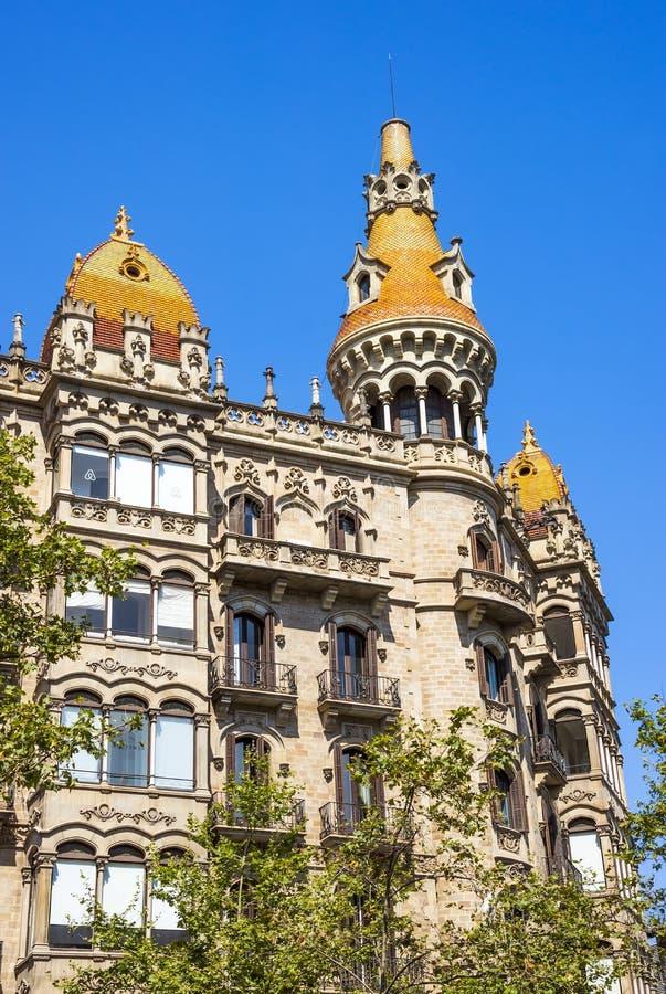 FallAntoni Rocamora byggnader i Barcelona arkivbilder
