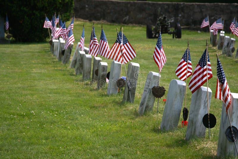 fallen flaggaheder royaltyfri fotografi