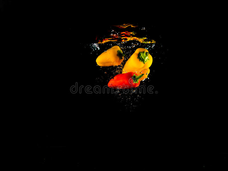 Fallendes Gemüse lizenzfreie stockfotos