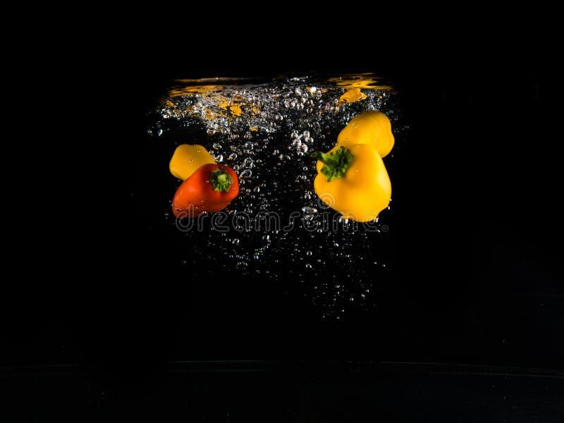 Fallendes Gemüse lizenzfreie stockfotografie