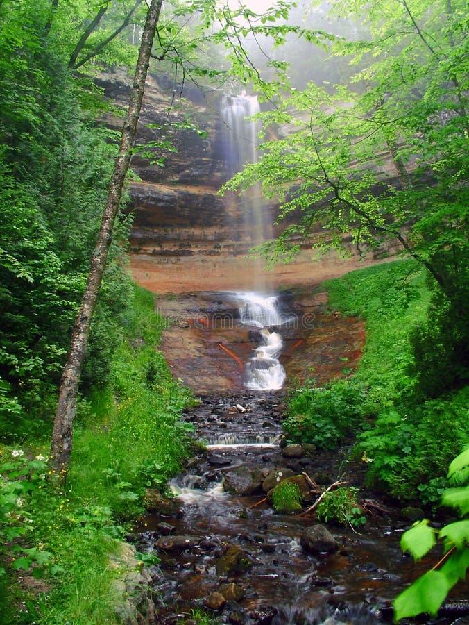 Download Falls som munising arkivfoto. Bild av falls, sceniskt, flod - 49896