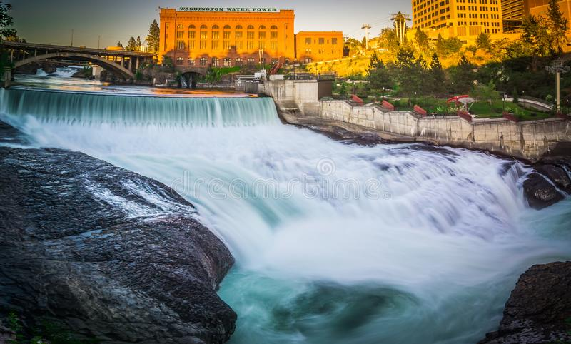 Falls and the Washington Water Power building along the Spokane royalty free stock photos
