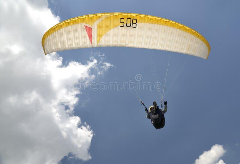 Fallschirm lizenzfreie stockfotografie